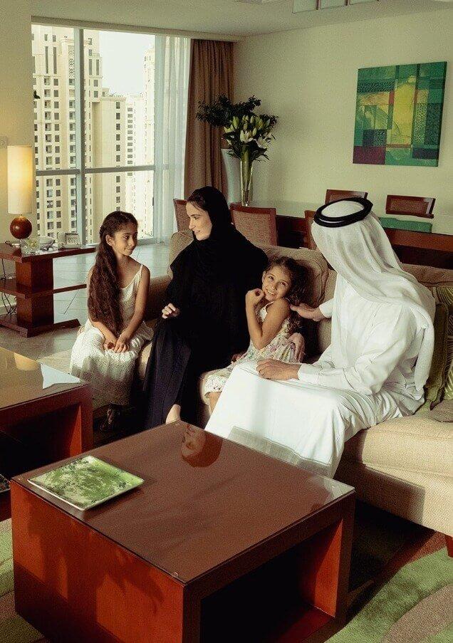 UAE residente.jpg