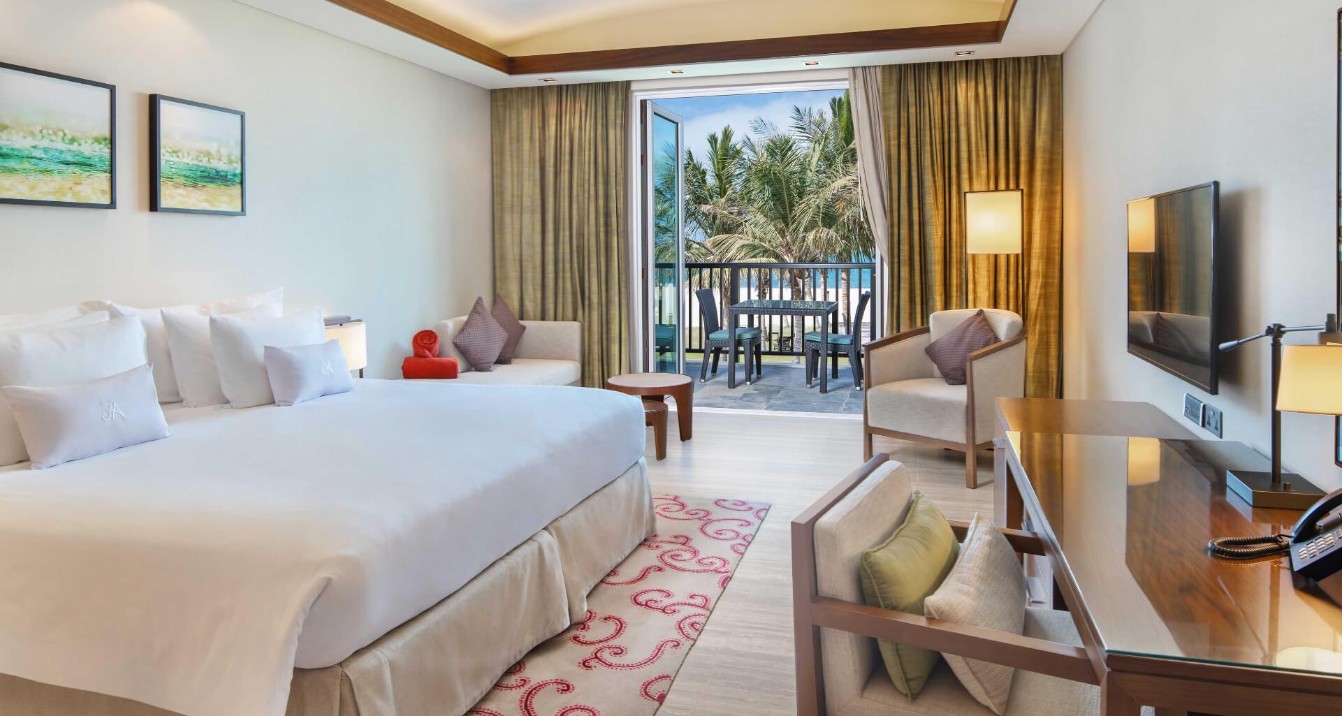 ja-.palm-tree-court-sea-view-Junior-Suite