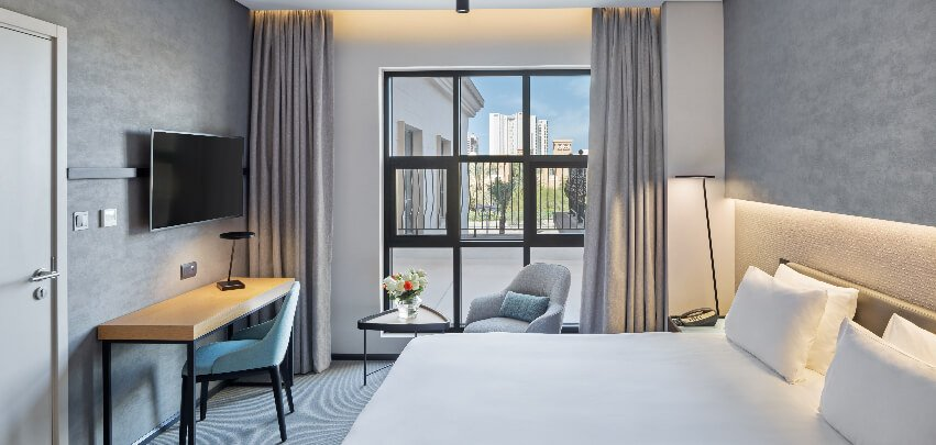 Guestroom Overlooking City